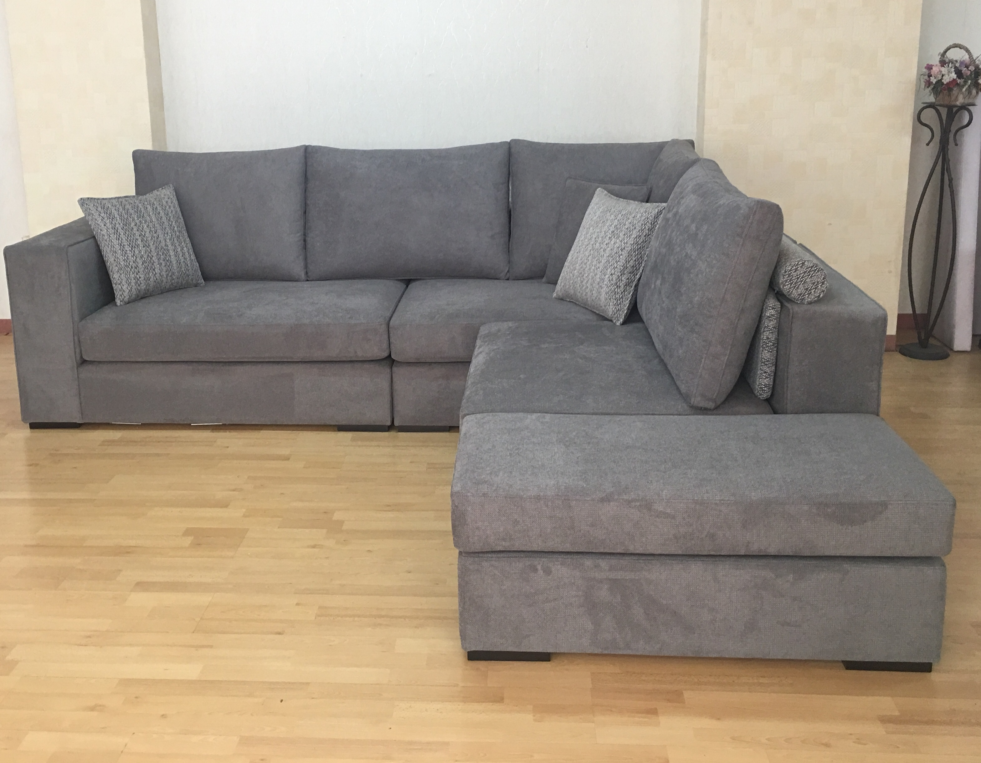 Modern Sofa Evelyn